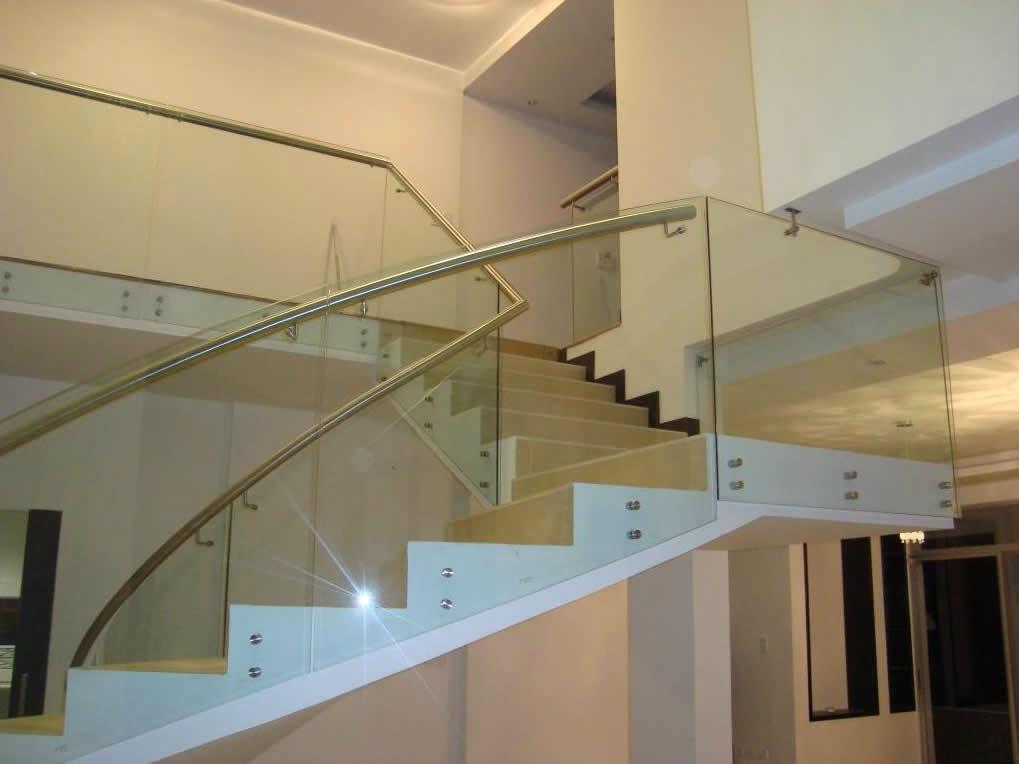 Pasamanos de cristal barandilla de cristal minimal - Pasamanos de madera para escaleras ...