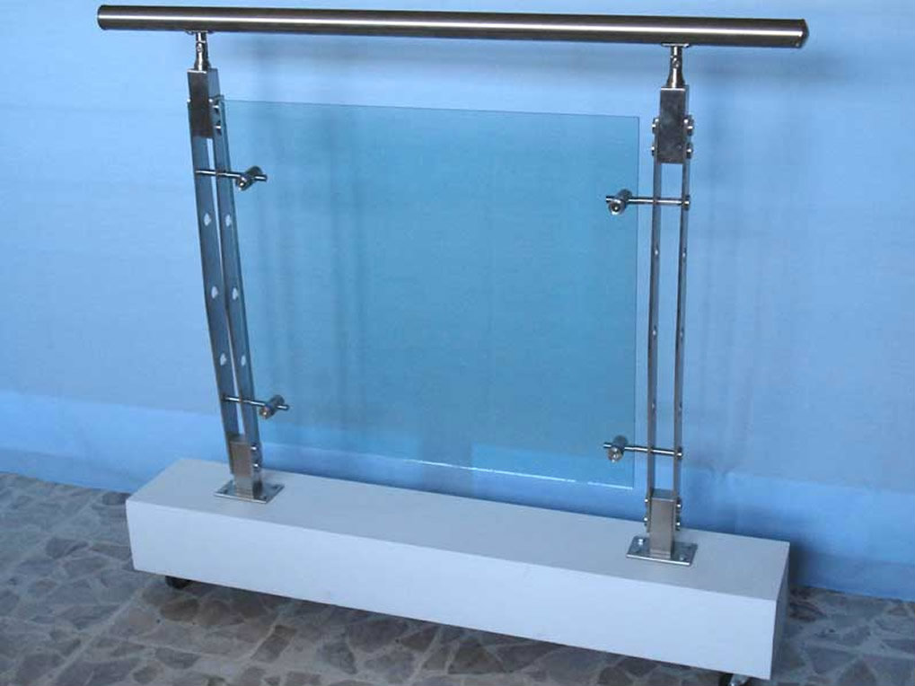 Pasamanos con vidrio y platina metalmachine for Pasamanos para ducha