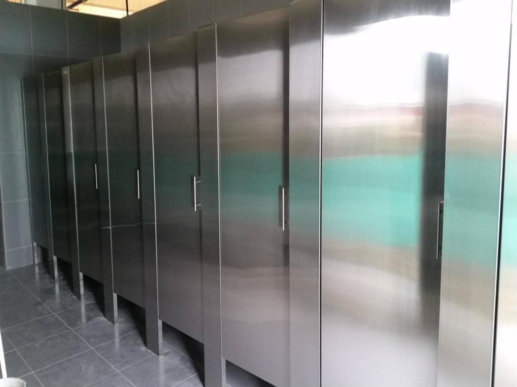Divisiones de baño en acero inoxidable   Metalmachine
