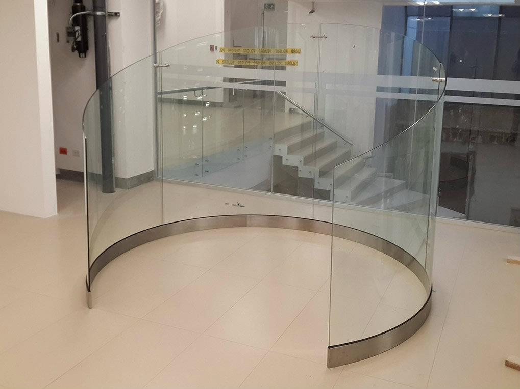 Pasamanos vidrio curvo metalmachine for Pasamanos para ducha