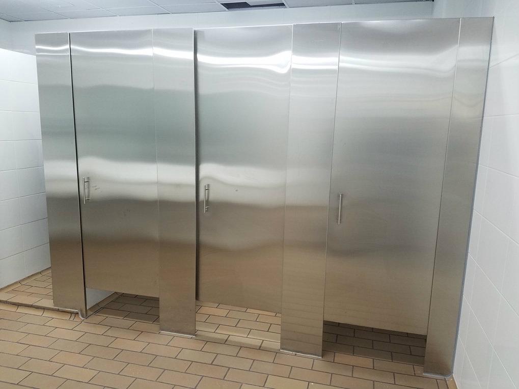 Divisiones de baño en acero inoxidable | Metalmachine
